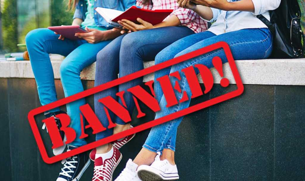 8-Places-In-India-Where-Girls-Are-Not-Allowed-To-Wear-Jeans-And-Skirts-1024x610